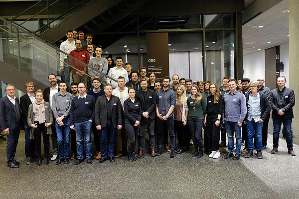 Foto (Katharina Stupp): Erstes Netzwerktreffen vom Innovationslabor OWL: Die Gründerinnen und Gründer kamen mit Vertreterinnen und Vertretern der Coaching-Teams.
